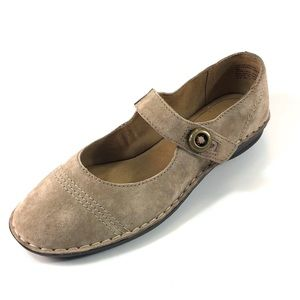 White Mountain sz 9 Tan Suede Mary Jane Flats